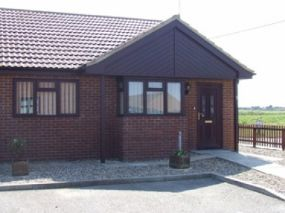 Kestrel Dog Friendly Holiday Accommodation Walcott, Norfolk